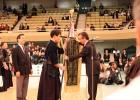 Учимура приема знамето